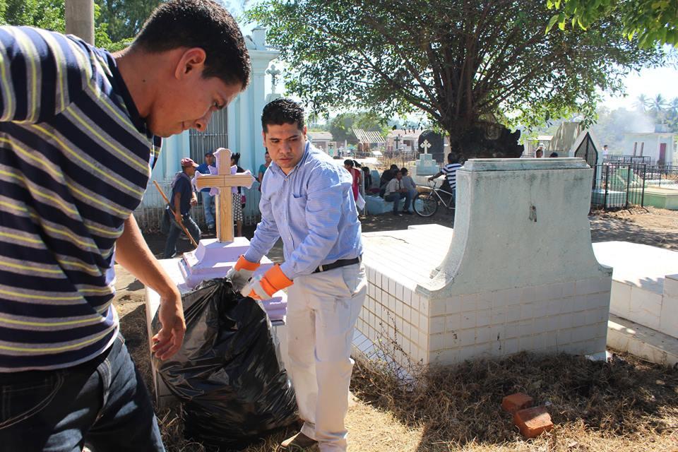 Exitosa Campaña de Limpieza en Cementerio Realiza Municipalidad