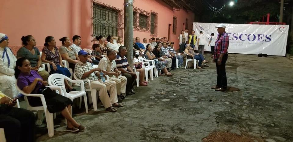 Alcalde Mauricio Zelaya, reunido con la comunidad Espiritu Santo