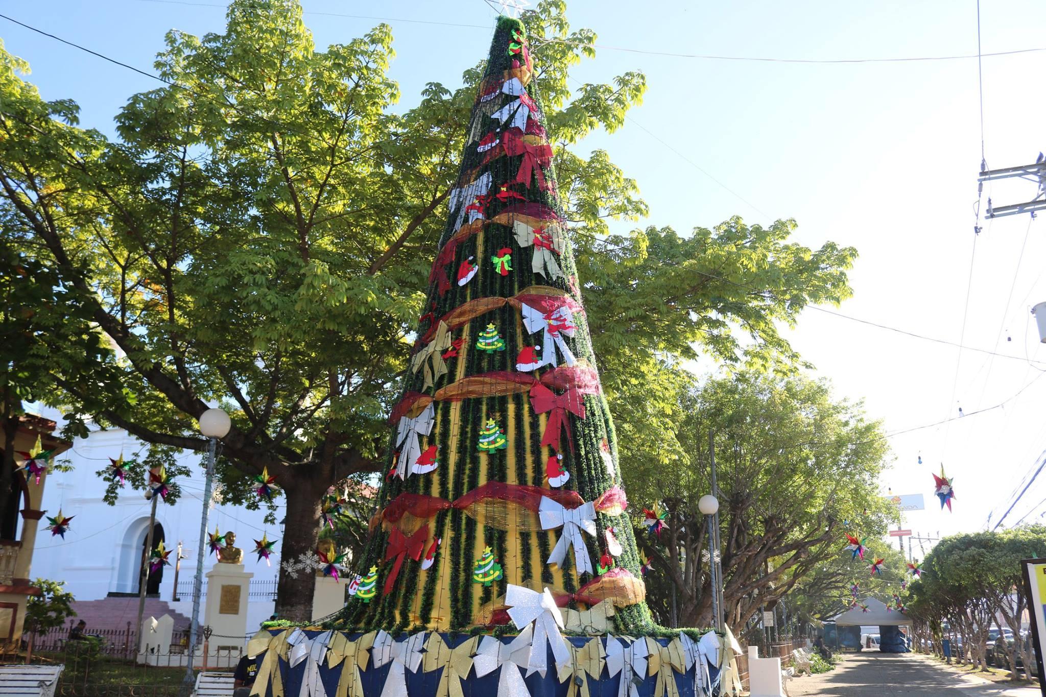 Decoracion navideña, parque Raúl F. Munguía